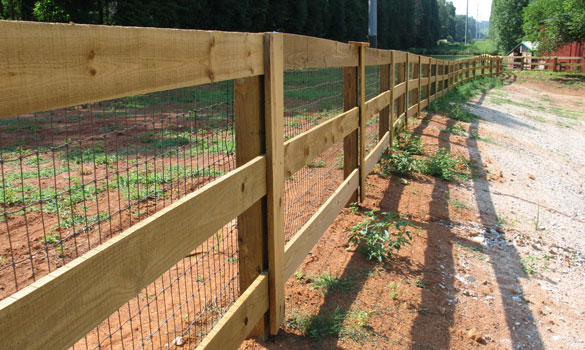 Commercial Wood and Vinyl Fencing